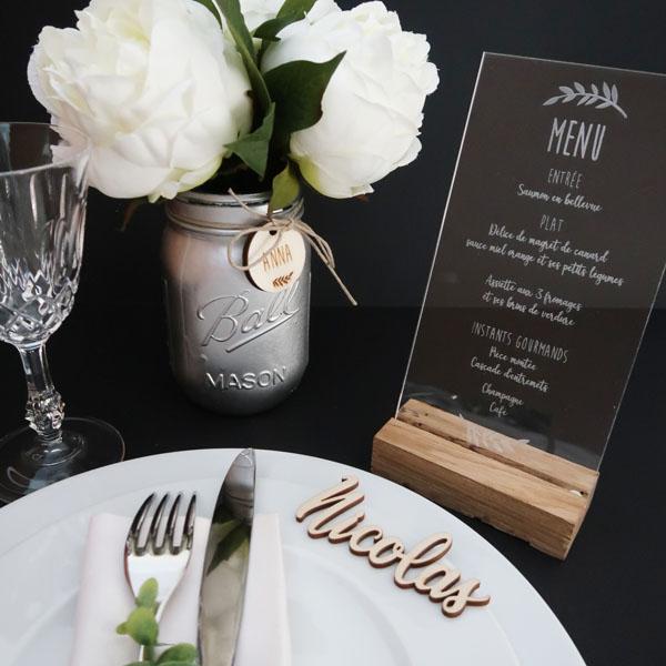 menu graver sur plexiglasse, menu en bois, porte alliance