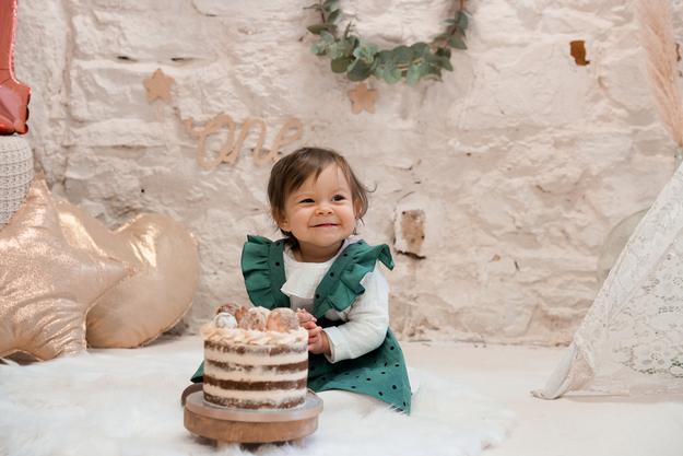smash-the-cake-petite-fille-lyon