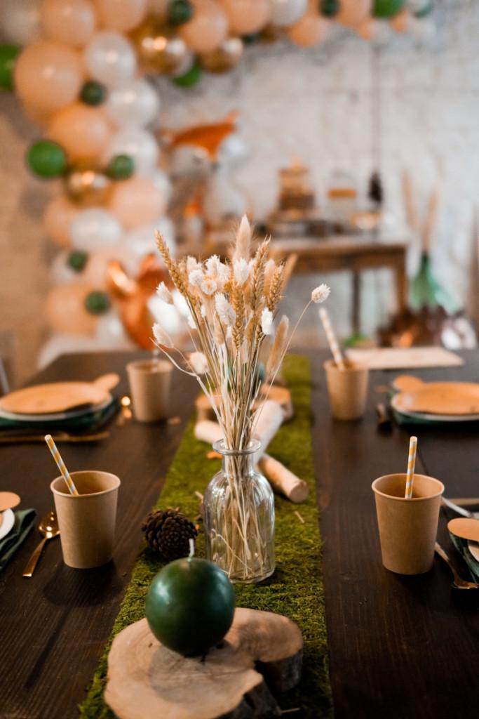 décoration-table-goûter-forêt