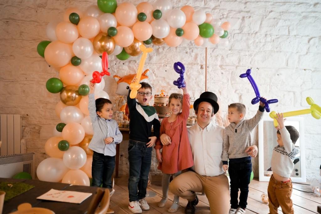 Magicien-ballons-anniversaire