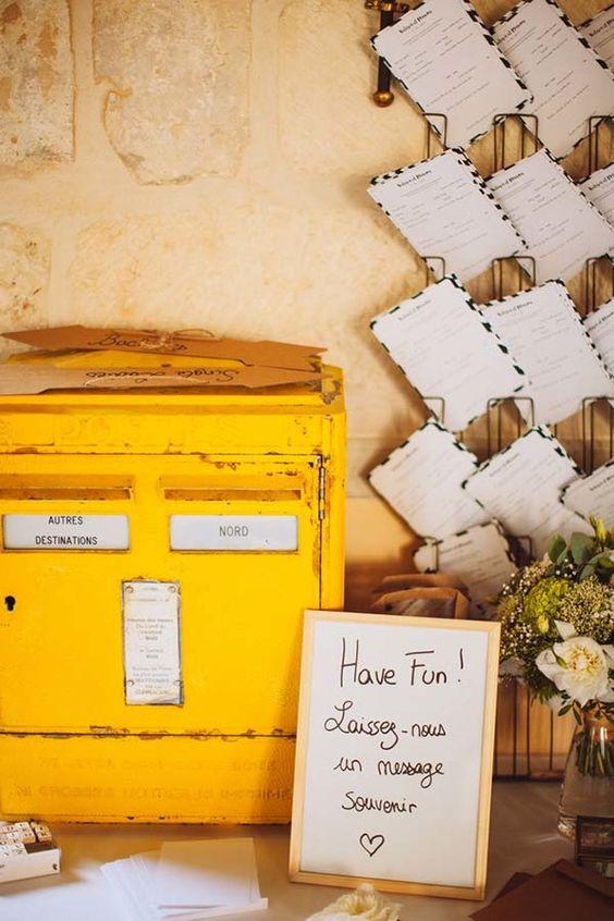 boite-aux-lettres-jaune